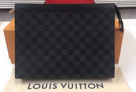 ルイヴィトン ダミエグラフィット ポシェットヴォワヤージュMM セカンドバッグ N41696
