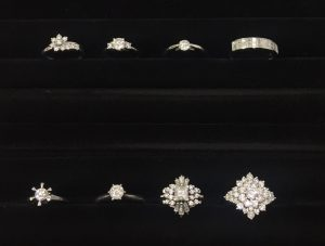 ダイヤモンドリング 婚約指輪 買い取り マリッジ