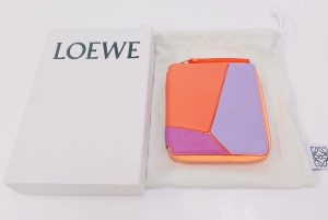 ロエベ パズル スクエア コンパクトジップウォレット 2つ折り財布 オレンジ系 128.30WM88