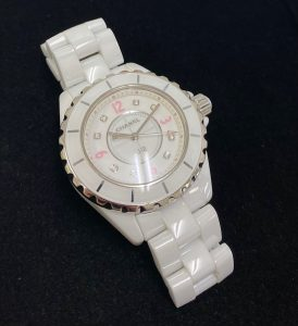 シャネル J12 ピンクライト 33mm 8Pダイヤ レディース ホワイト クォーツ H4863